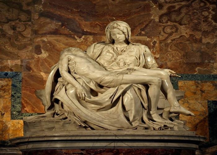 Čekićem na Michelangelov kip Pieta u Vatikanu – 1972.