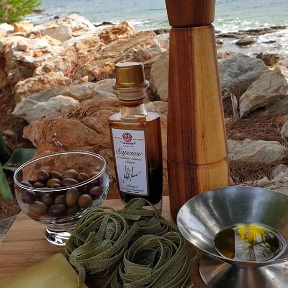 Znate li prepoznati kvalitetno maslinovo ulje!? Ne padajte na etikete i na ove zablude!!